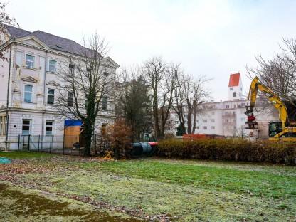 Das alte Hortgebäude in der Grillparzerstraße. (Foto: Arman Kalteis)