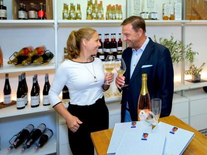 Katharina und ihr Vater Hannes setzen auf gute Qualität. (Foto: Helmut Lackinger)