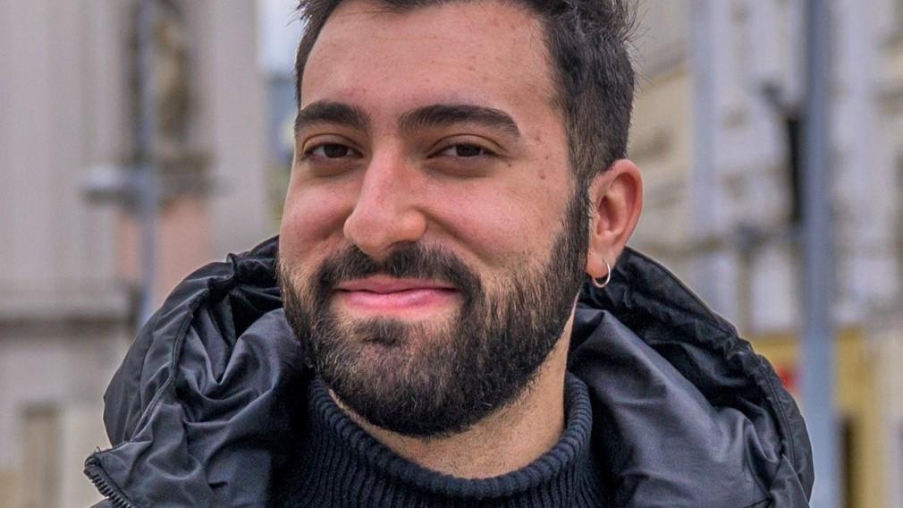 Portrait von Starmania-Finalist Mert Cosmus. (Foto: Arman Kalteis)