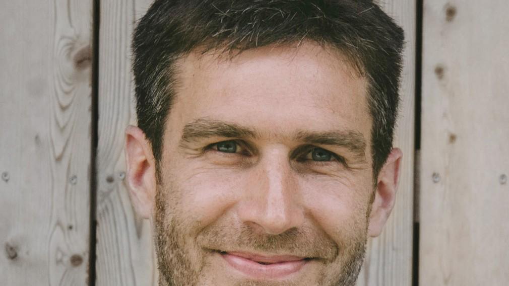 Portrait Dr. Norman Schmid.