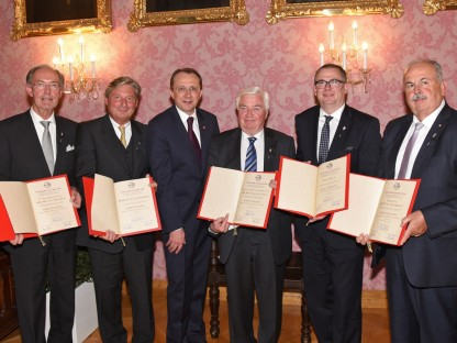 St. Pölten hat fünf neue Ehrenzeichen-Träger