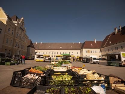 Gemüsestand am Wochenmarkt.(Foto: Arman Behpournia)