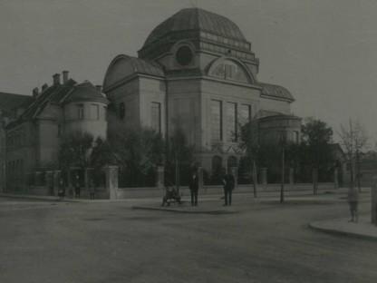 Fotoansicht der Synagoge kurz nach der Eröffnung. (Foto: Stadtmuseum)