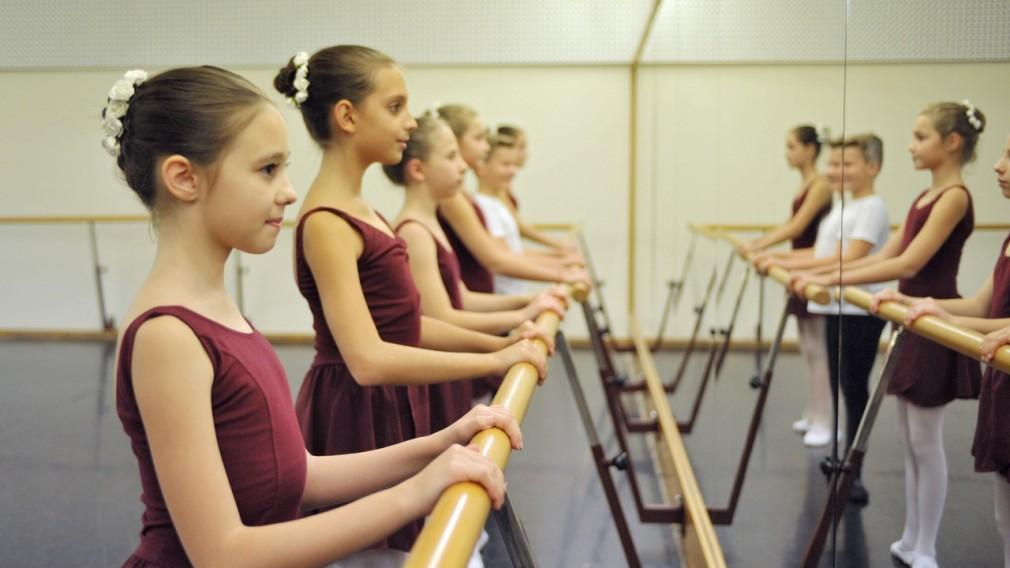 Junge Balletttänzerinnen. (Foto: Wolgang Mayer)