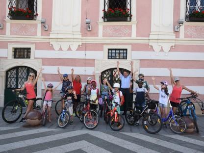 Die Kinder des Sommercamps des Kreativhauses ParadiesDerFantasie 2020. (Foto: Anna Putz)