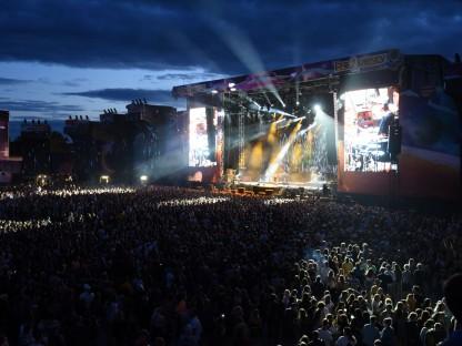 Besuchermassen beim Frequency vor der Bühne am VAZ-Gelände. (Foto: Medienservice St. Pölten)