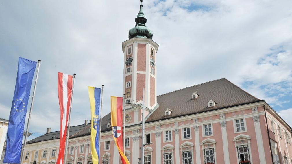 Ansicht des St. Pöltner Rathauses. (Foto: Josef Vorlaufer)