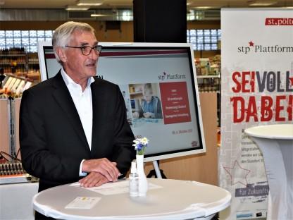 Mag. Dr. Josef Baumgartner bei der Eröffnung des Meet & Greet Zukunftsbiotop KL2