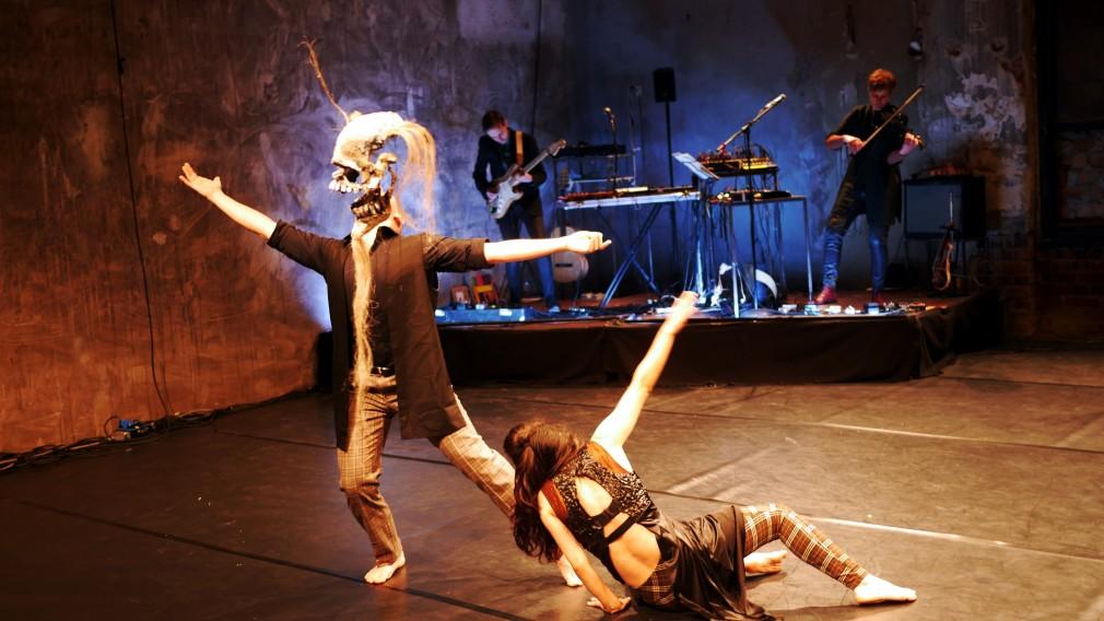 Zahlreiche Spielarten des Totentanzes prägen seither die künstlerische Auseinandersetzung des Menschen mit dem Tod und warden auch beim Barockfestival thematisiert. (Zu sehen am Foto von Christoph Bochdansky)