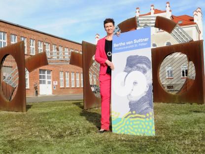 Silvia Weigl, Geschäftsführerin und Kanzlerin der Bertha von Suttner Privatuniversität. (Foto: Andrea Reischer)