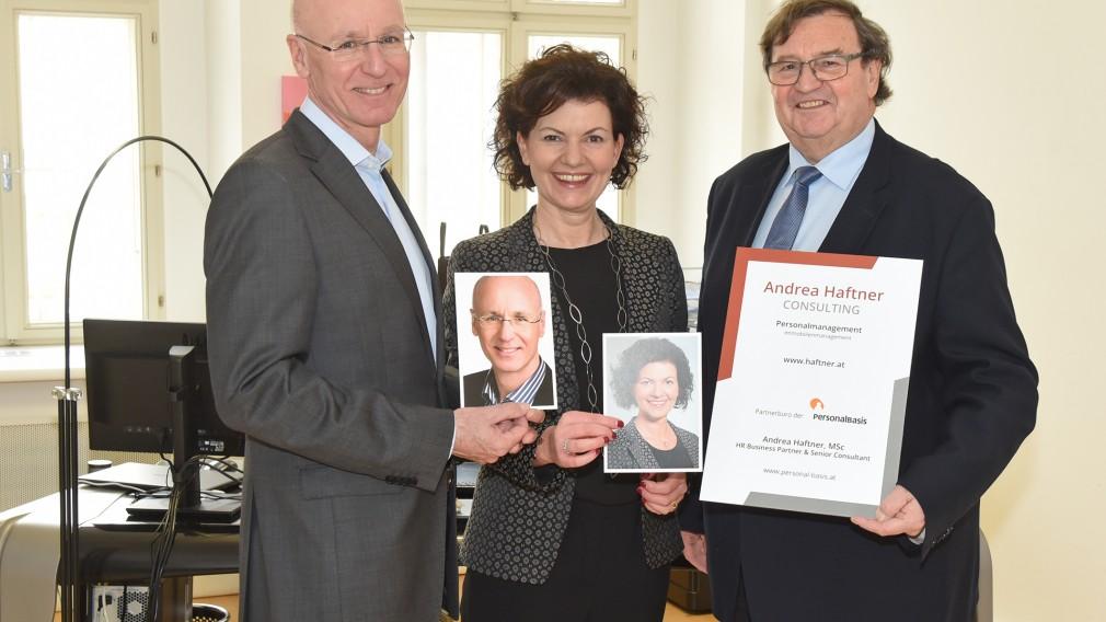 Vizebürgermeister Ing. Franz Gunacker mit Andrea Haftner,MSc und Mag. Gerhard Habitzl.(Foto: Josef Vorlaufer)