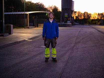 Andreas Hippmann ist seit 2008 für den St. Pöltner Magistrat beruflich tätig. Die Arbeit bei der Abfallwirtschaft führt er mit Freude aus. Vor einigen Jahren machte er einen Wechsel in die Bauabteilung des Magistrats, doch schnell wurde ihm klar, dass er lieber wieder seinen alten Job zurück haben möchte. (Foto: Arman Behpournia)
