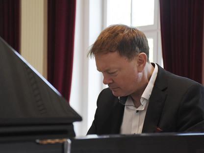 Karl Eichinger am Piano. (Foto: Marianne Plaimer)