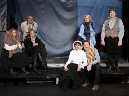 Die Besetzung des LKW Theaters. (Foto: Nikolaus Similache)