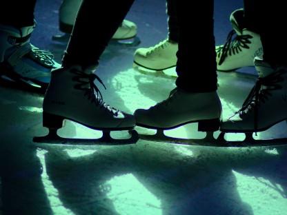 Cooles Discofieber in der Eissporthalle
