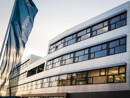 Gebäude-Außenansicht der Fachhochschule St. Pölten. (Foto: Martin Lifka)