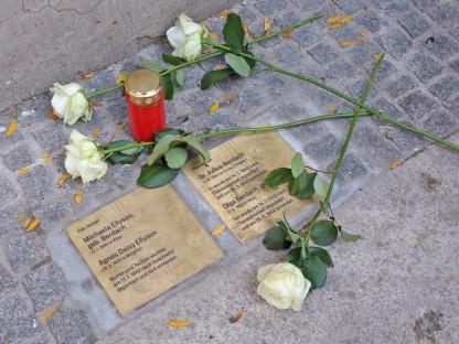 """""""Steine der Erinnerung"""". (Foto: Josef Vorlaufer)"""