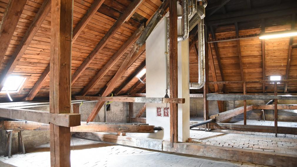 Ein nicht ausgebauter Dachboden. (Foto: Josef Vorlaufer)
