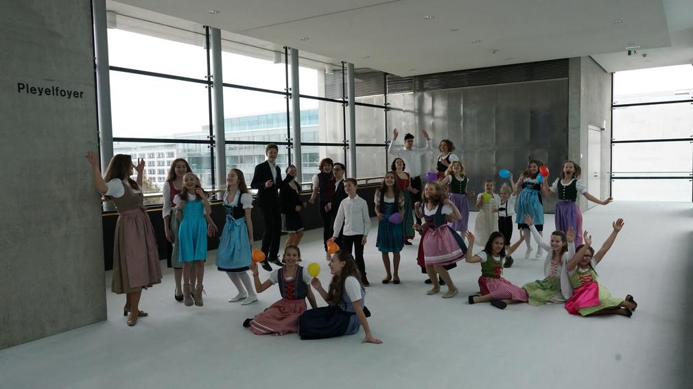 Die jungen Talente der Gesangsklasse Jeanette Roeck. (Foto: Andreas Winter)