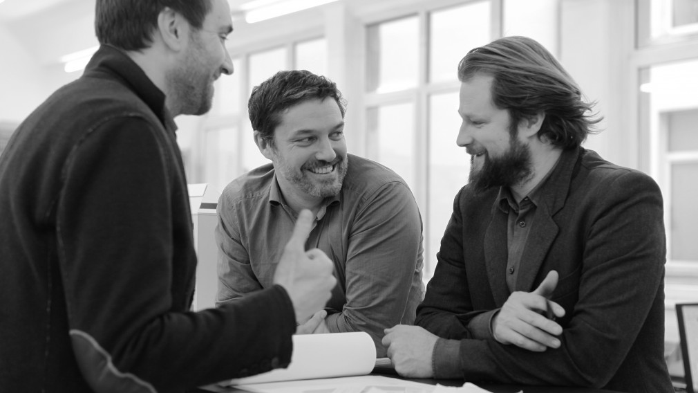 Die Architekten für das neue KinderKunstLabor: Von links nach rechts: Andres Schenker, Thomas Weber und Michael Salvi (Foto: Nikolaus Korab).
