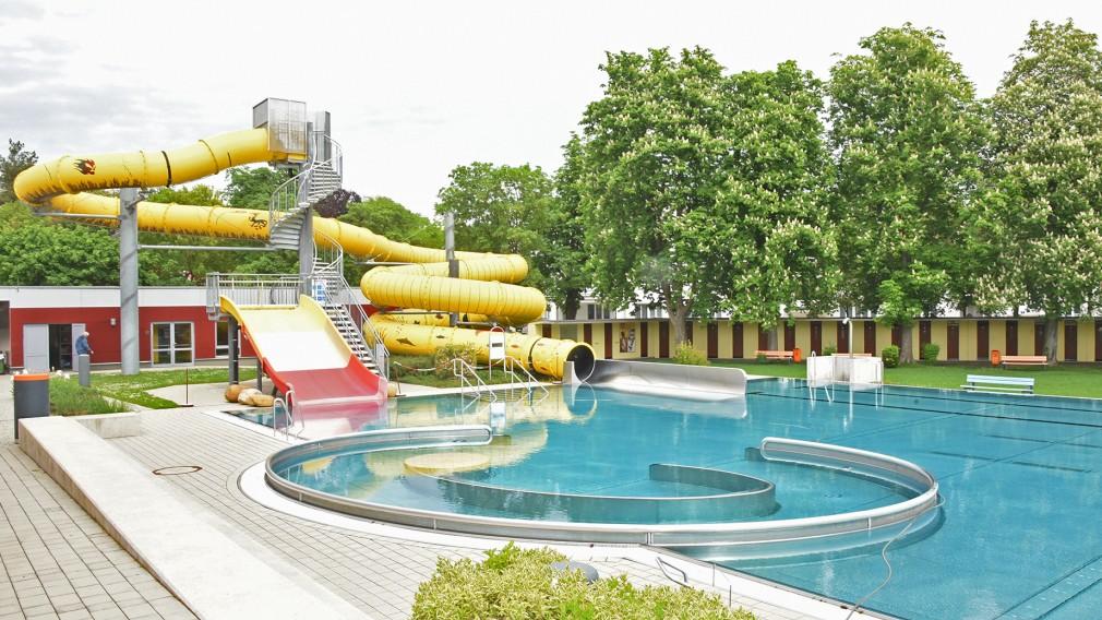 Beim Nichtschwimmerbecken mit Rutsche im Citysplash laufen noch die Vorbereitungsarbeiten. (Foto: Vorlaufer)