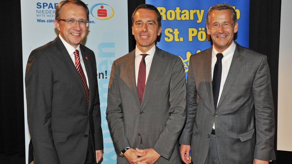 Bundeskanzler Kern zu Besuch an der FH St. Pölten