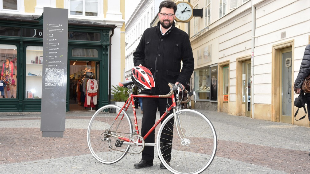 Vizebürgermeister Harald Ludwig mit Rad. (Foto: Josef Vorlaufer)