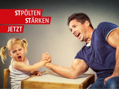 Ein Kind und ein Erwachsener beim Armdrücken. (Foto: Adobe Stock | imhof69ch)