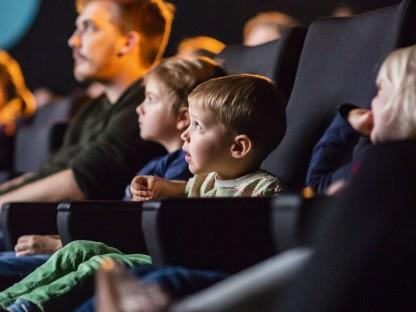 Kinder im Kinosaal. (Foto: Daniela Matejschek)