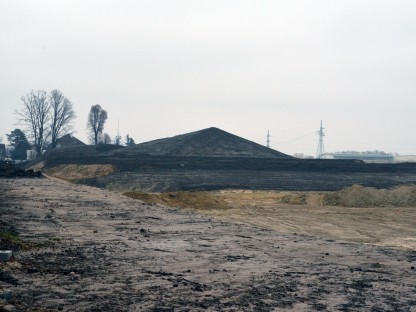 Die Bauarbeiten des Retentionsbeckens und die Aufschüttung des Eisberges. Foto: Alfred R. Benesch