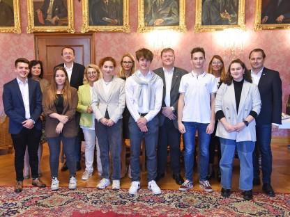 Die Schüler der Handelsakademie St. Pölten waren zu Besuch in Ungarn. Foto: Josef Vorlaufer