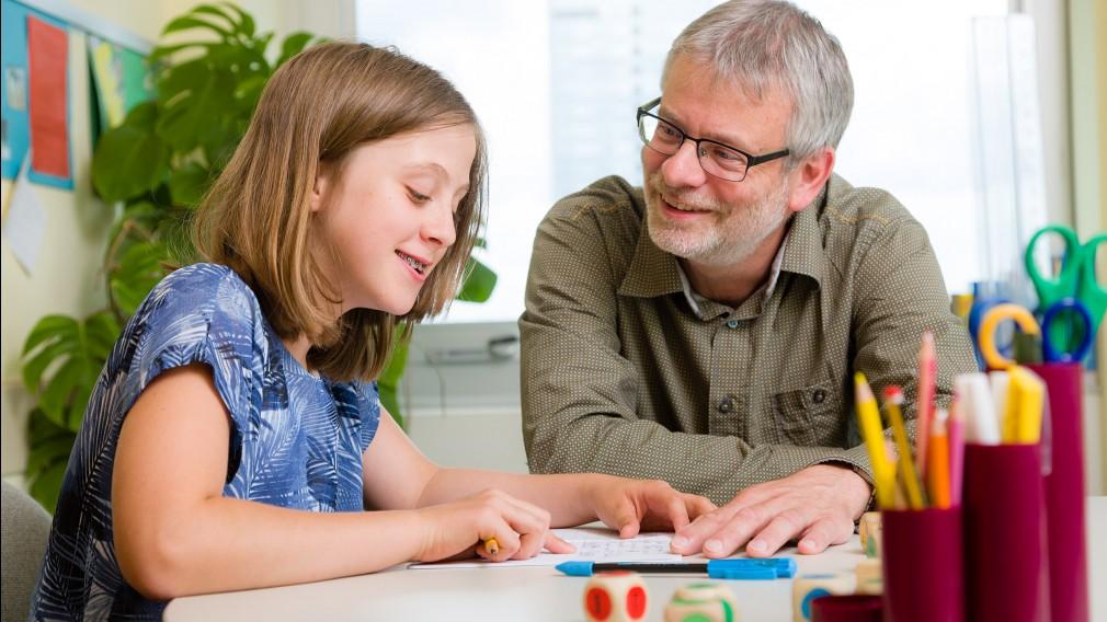 Der Verein Scribmeticum unterstützt Kinder mit Lernschwäche. Foto: Klonk
