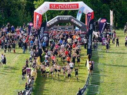 Luftaufnahme vom Start beim letzten Spartan Race 2019 in St. Pölten. (Foto: spartanrace.de)