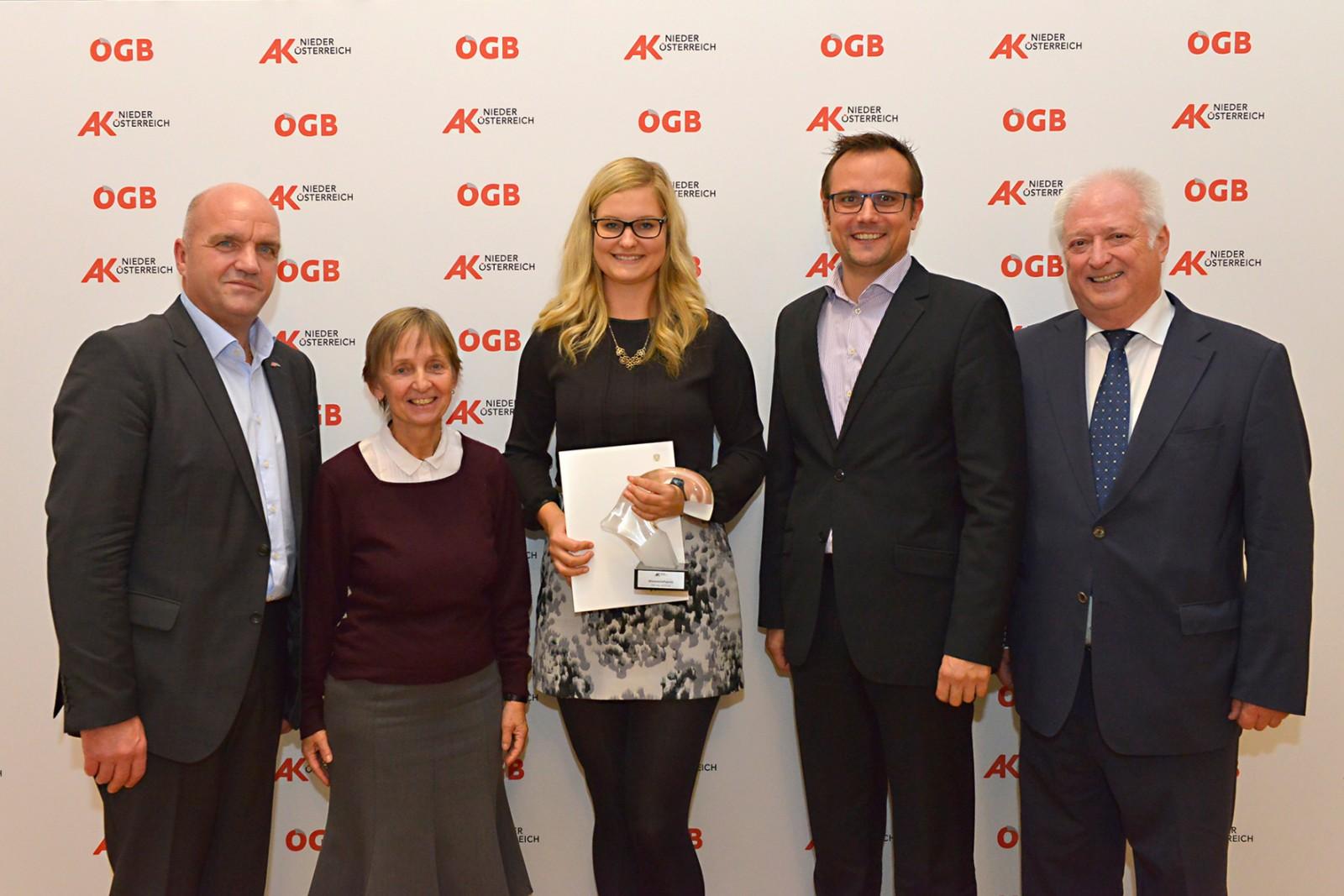 FH-Absolventinnen mit AK Wissenschaftspreis geehrt