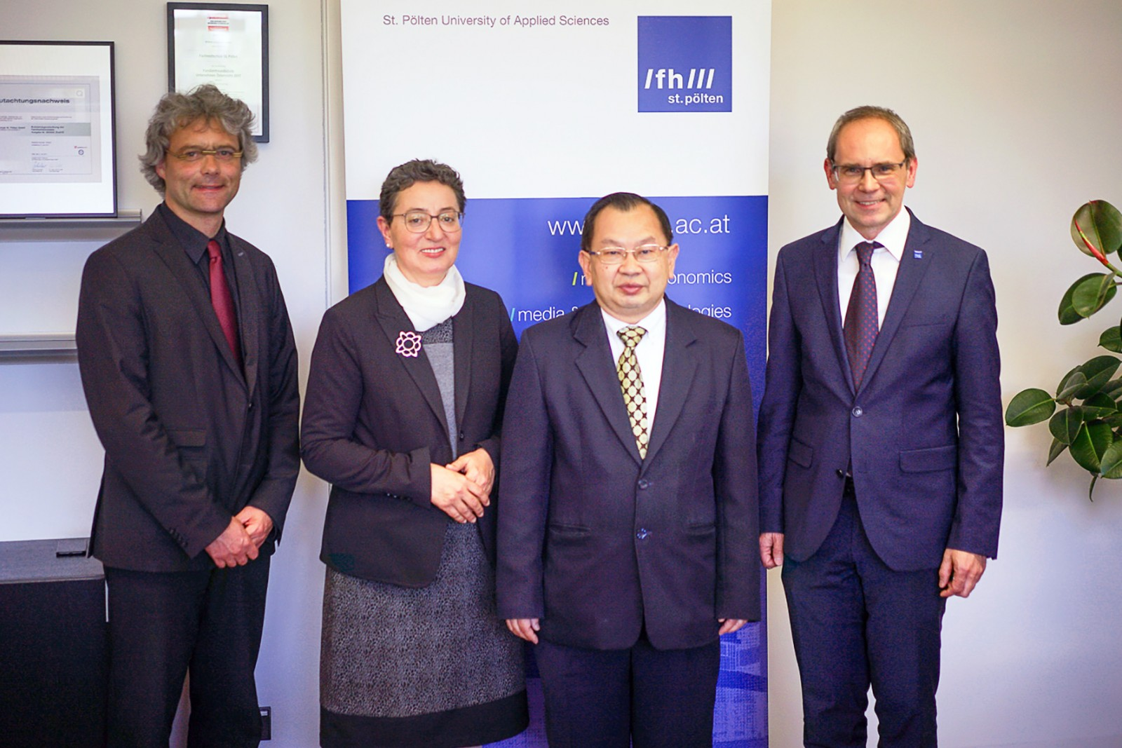 Thailändischer Botschafter zu Gast an der FH St. Pölten