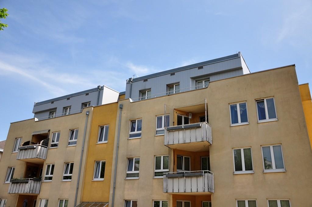 Neue Fassade für Feuerwehr-Wohnungen